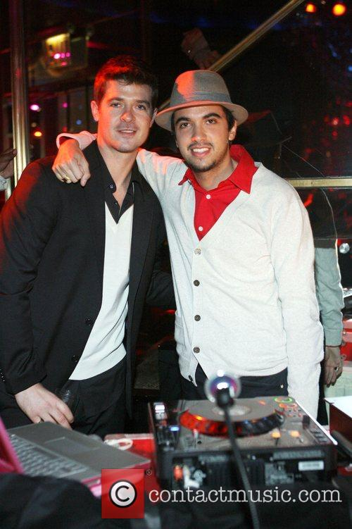 Robin Thicke, Cassidy and Dj Cassidy 1