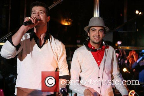 Robin Thicke, Cassidy and Dj Cassidy 2