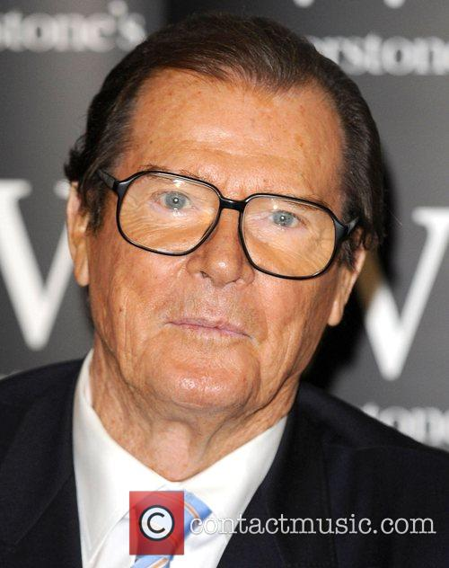 Roger Moore 9