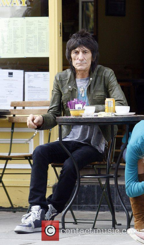 Ronnie Wood and Ekaterina Ivanova 16