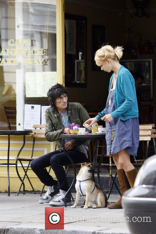 Ronnie Wood and Ekaterina Ivanova 18