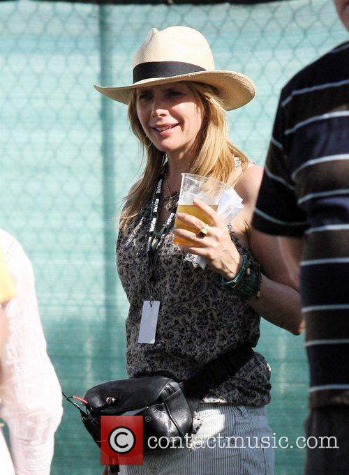 Rosanna Arquette has a passionate conversation while drinking...