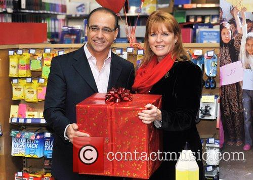 Dragons' Den Panelist, Sarah Ferguson, The Duchess Of York and Theo Paphitis 7