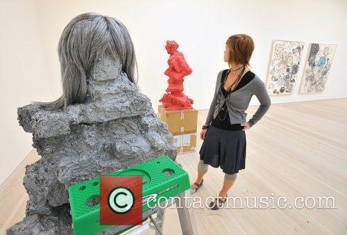 Rachel Harrison: Glamour Wig 2005 2