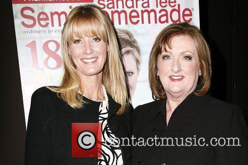 Sandra Lee and Phyllis Hoffman Launch The Premiere Issue Of New Magazine 'sandra Lee Semi-homemade' At Empire Hotel 1