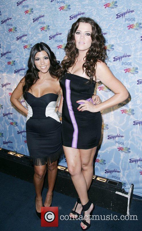 Kourtney Kardashian and Khloe Kardashian 2