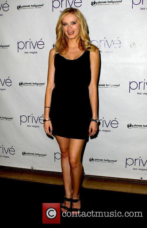 Sara Paxton, Planet Hollywood