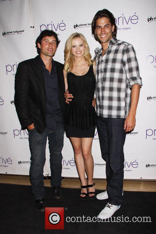 Ben Hollingsworth and Sara Paxton 7