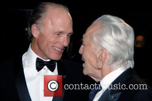 Ed Harris and Kirk Douglas 5