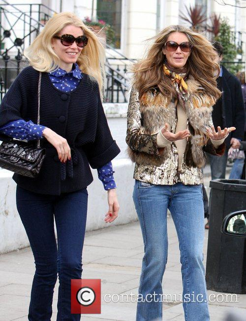 Claudia Schiffer and Elle Macpherson 1