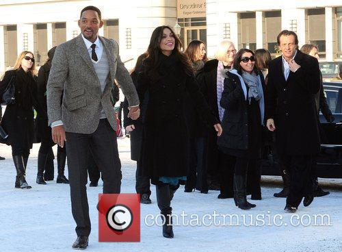Will Smith and Rosario Dawson 6