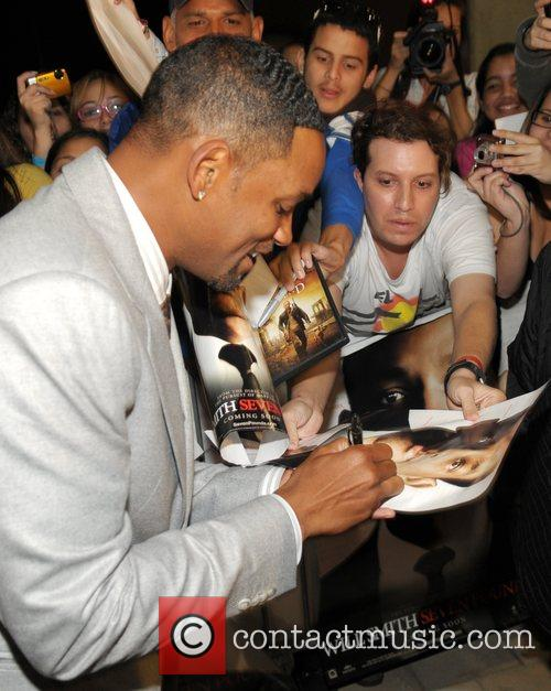 Will Smith  attends the 'Seven Pounds' Premiere...