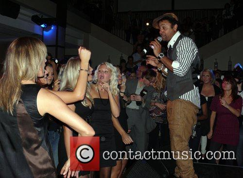 Shaggy Performing Live and Shaggy 5