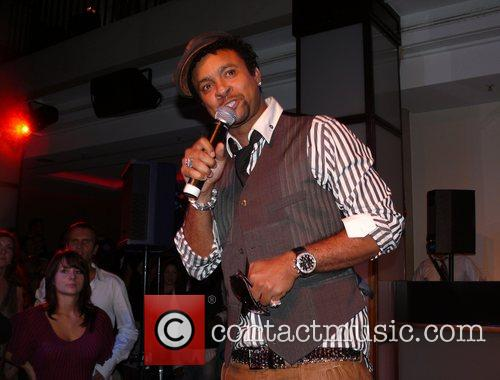 Shaggy Performing Live and Shaggy 6