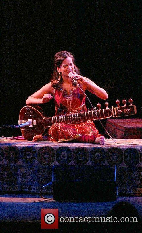 Anoushka Shankar and Ravi Shankar 3