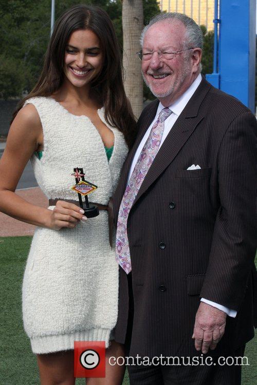 Irina Shayk and Las Vegas Mayor Oscar B....