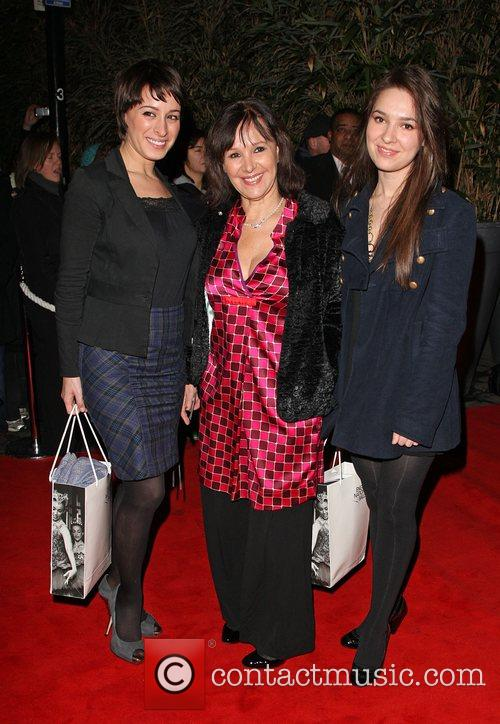 Arlene Phillips With Her Daughters 4