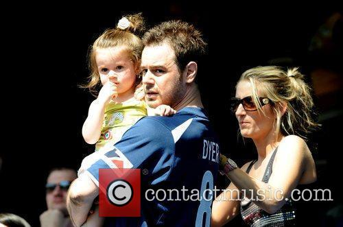 Danny Dyer, His Partner and Daughter 4