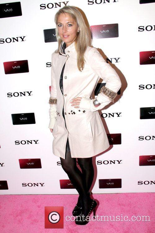 Elise Overland Paper Magazine & Sony Style Store...