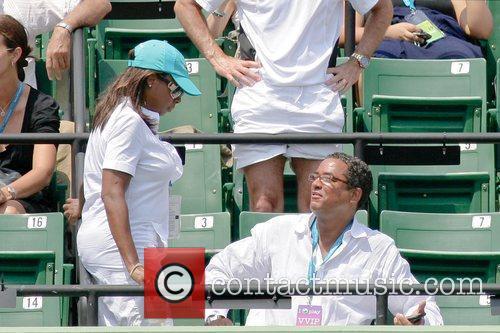 Watch the match between Novak Djokovic and Roger...
