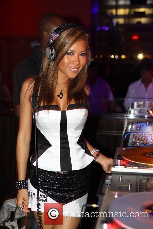 dj sophia lin spins at aura nightclub 5291851