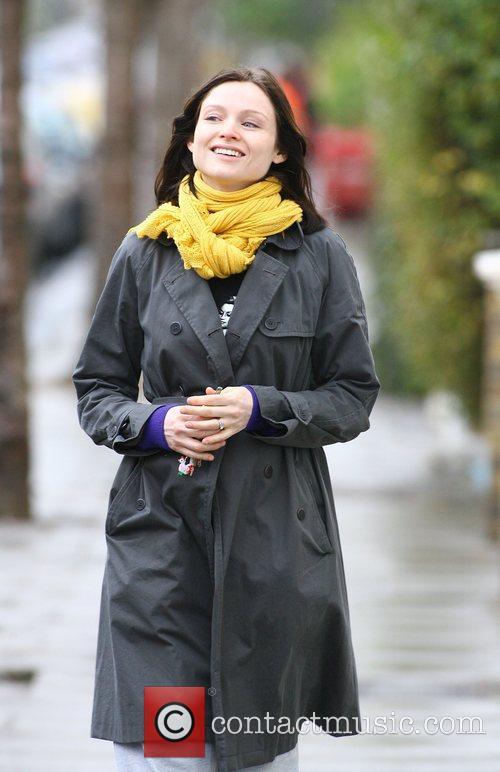 make-up free Sophie Ellis Bextor arriving home after visiting the