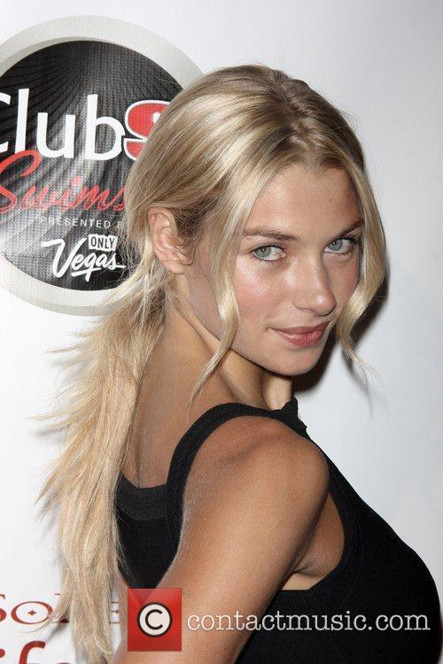 Jessica Hart Sports Illustrated Swimsuit 2009 Issue launch...