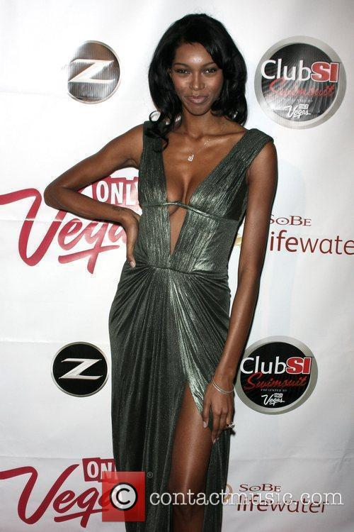 Jessica White Sports Illustrated Swimsuit 2009 Issue launch...