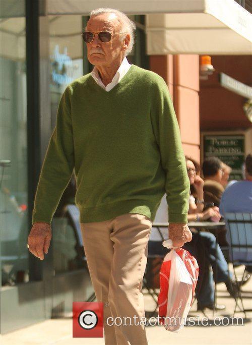 Stan Lee leaving Radioshack in Beverly Hills Beverly...