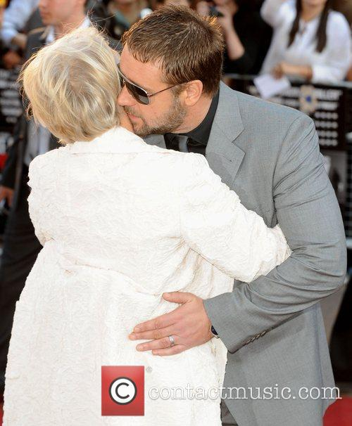 Helen Mirren and Russell Crowe 4