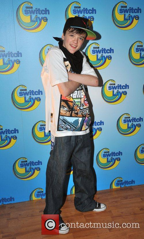 http://www.contactmusic.com/pics/lb/switch_121008/george_sampson_2119153.jpg