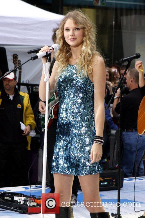 Taylor Swift 24