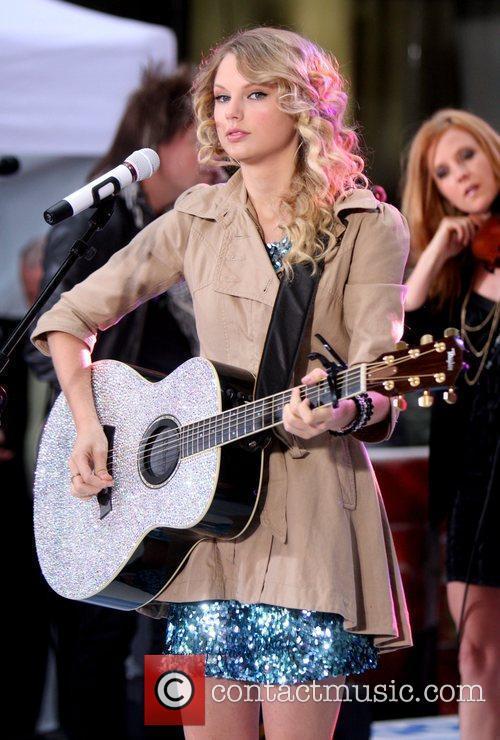 Taylor Swift 36
