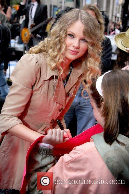 Taylor Swift 42