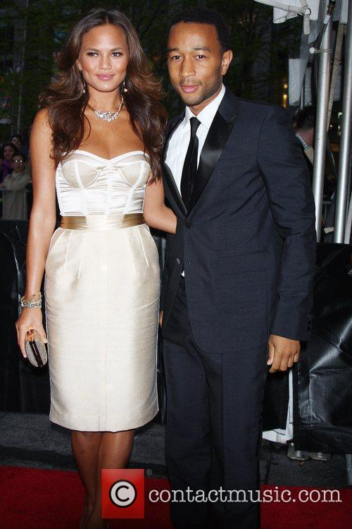 John Legend and Girlfriend Christine Teigen 4