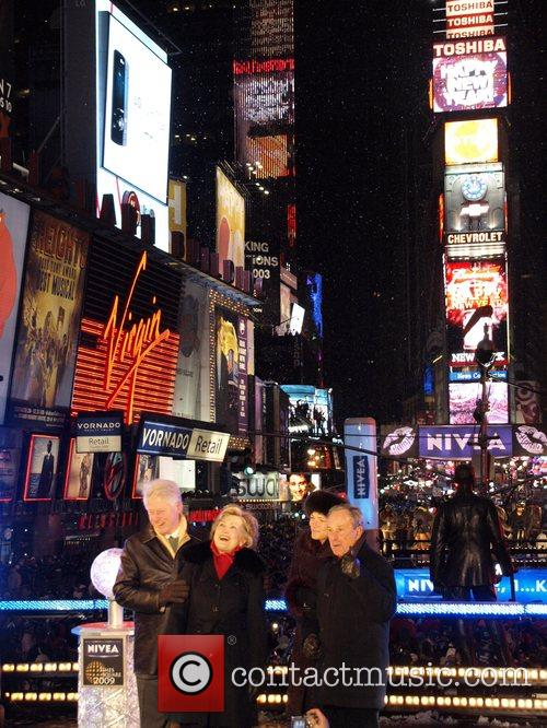 Bill Clinton, Hilary Clinton, Mayor Michael Bloomberg, Times Square