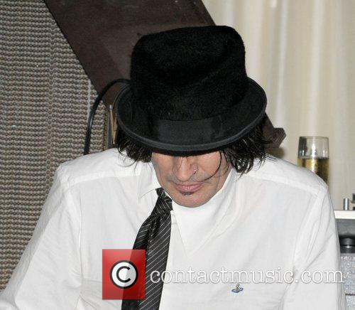 Tommy Lee 3