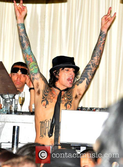 Tommy Lee 2