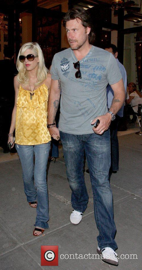 Tori Spelling and Dean Mcdermott Leaving Cipriani Restaurant After Having Dinner Together In Manhattan. 3