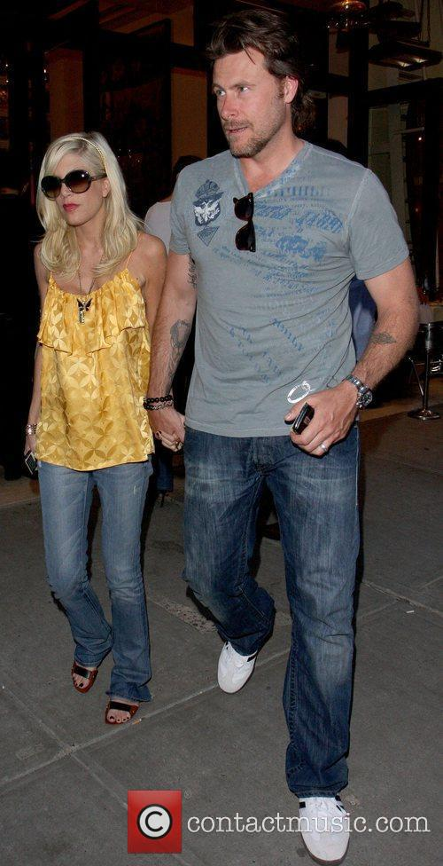 Tori Spelling and Dean Mcdermott Leaving Cipriani Restaurant After Having Dinner Together In Manhattan. 1