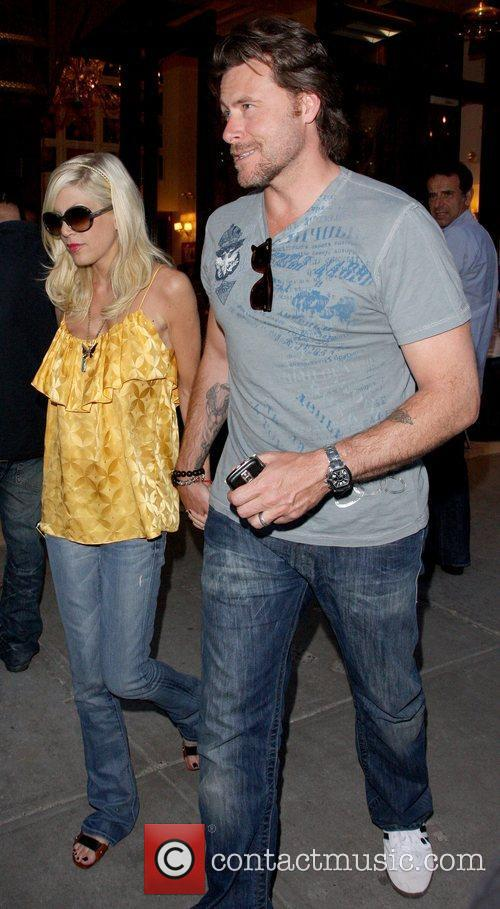 Tori Spelling and Dean Mcdermott Leaving Cipriani Restaurant After Having Dinner Together In Manhattan. 4