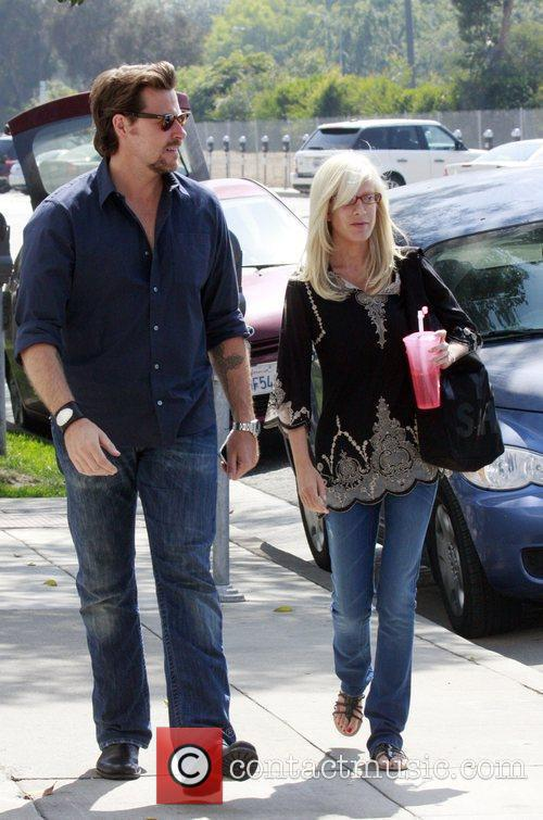 Tori Spelling and Dean McDermott having lunch at M Cafe in Santa Monica after spending the day at a hair salon 5