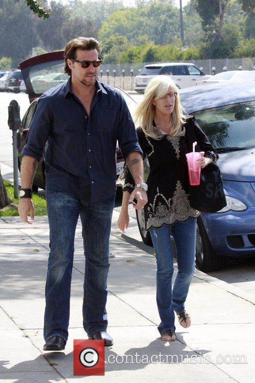 Tori Spelling, Dean McDermott having lunch at M Cafe in Santa Monica after spending the day at a hair salon