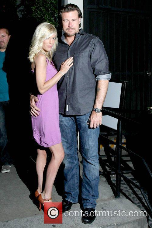 Tori Spelling and Her Husband Dean Mcdermott 3