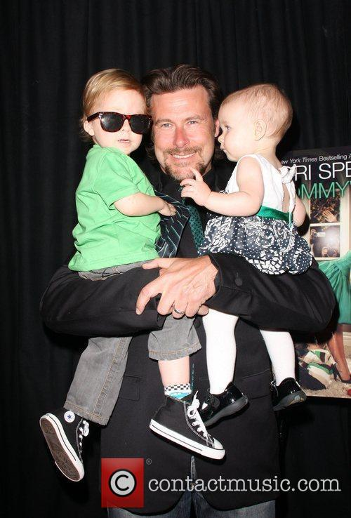 Dean Mcdermott, Children Liam Aaron and Stella Doree 4