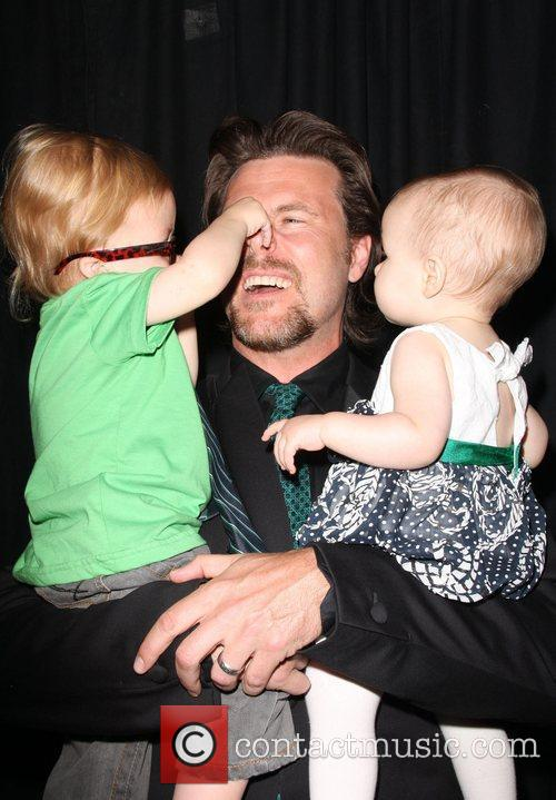 Dean Mcdermott, Children Liam Aaron and Stella Doree 3