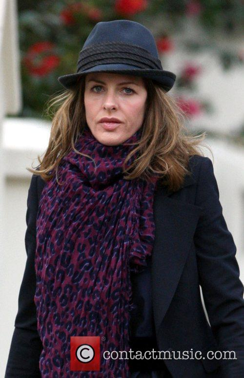 Trinny Woodall arrives at a friend's house with...