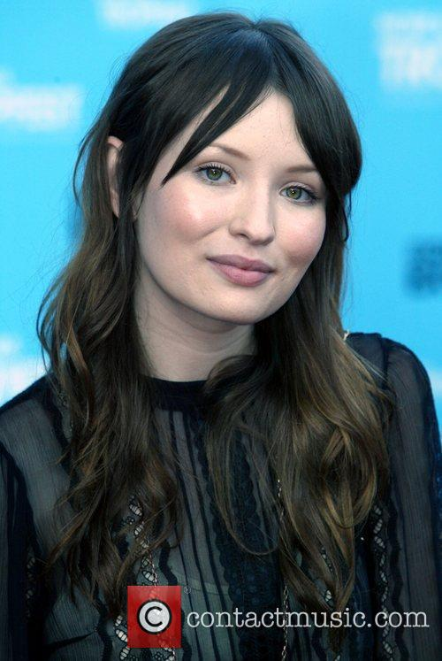 Emily Browning 2