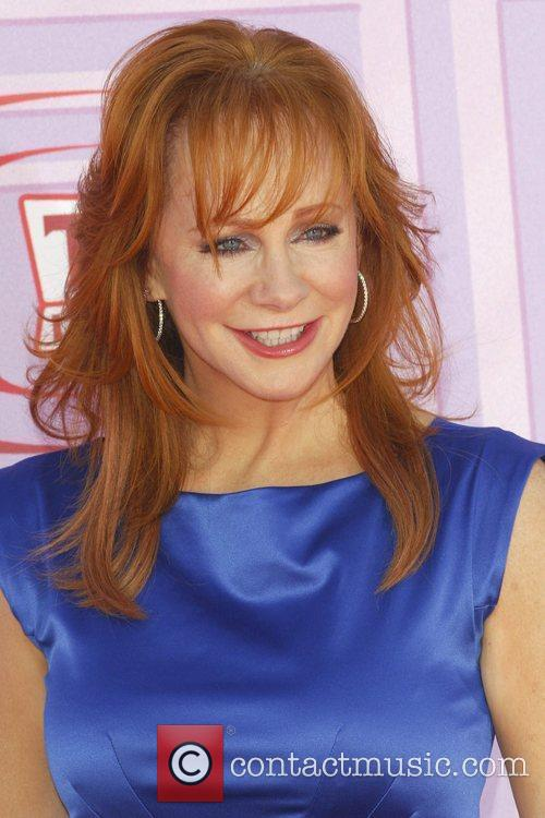 mc intire dating Fans are curious about reba mcentire's dating timeline after she played colonel sanders for a kfc commercial find out who reba mcentire's boyfriend in 2018 is.