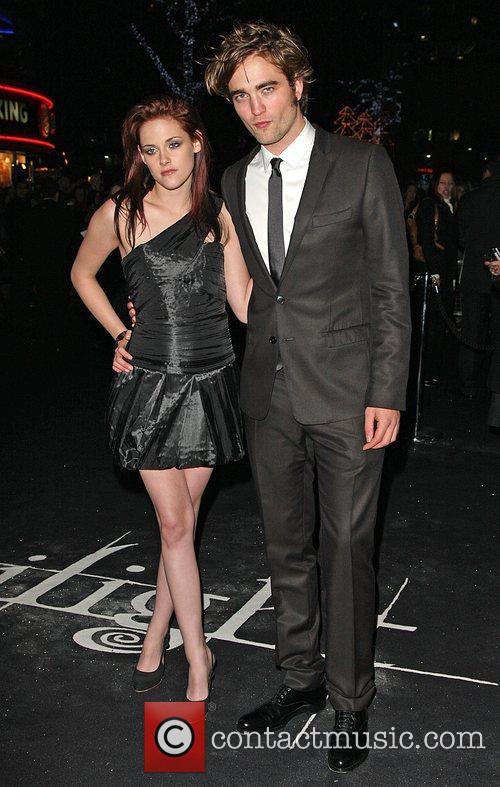 Kristen Stewart and Robert Pattinson 1